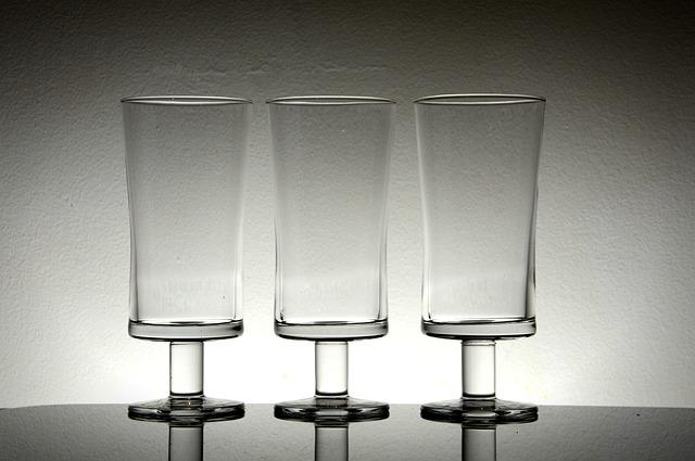 glass-1224666_640