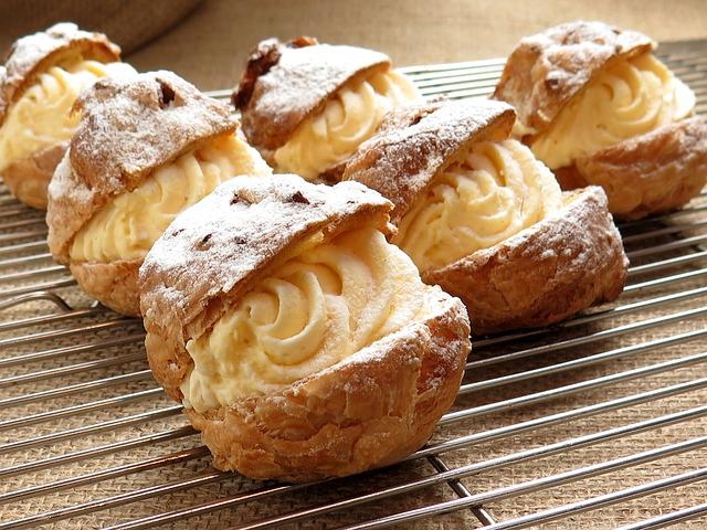 cream-puffs-427181_640 (1)